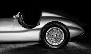 LESS IS MORE | MERCEDES-BENZ SILVER ARROW 1939